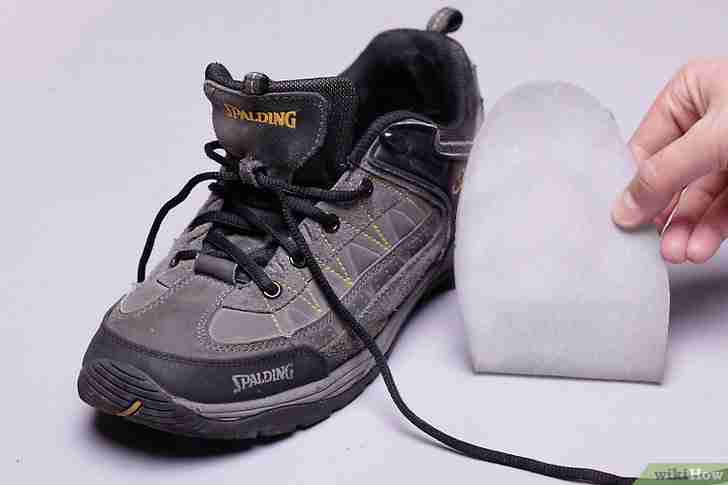 以Keep Your Shoes from Stinking Step 5为标题的图片